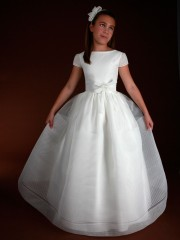 D112 – Girls Holy Communion Dress Marla made in Spain