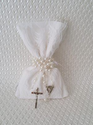 christening-bombonierie-baptism-gift-bags-white-holy-communion-rosary-sugar-almonds (2)