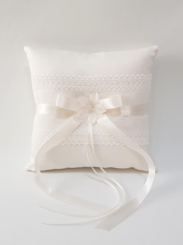 wedding-ring-pillow-ivory