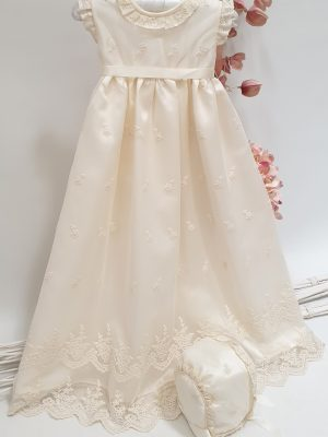 christening-baptism-girl-dress-bonnet-little-dream (1)